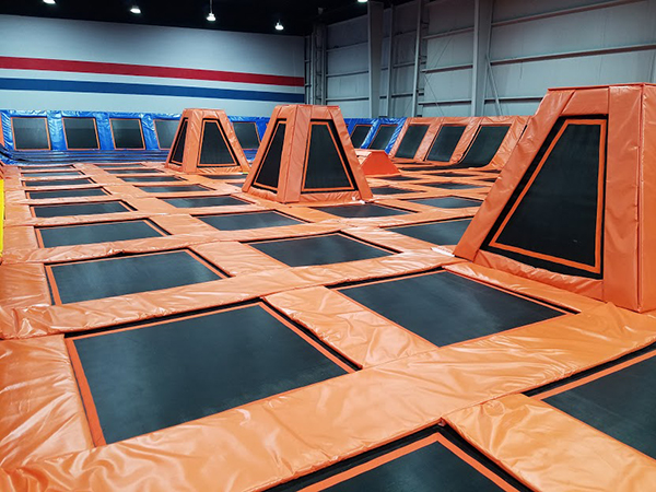indoor trampoline park free jumping area
